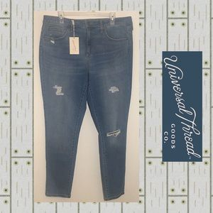 NWT Universal Thread Distressed Skinny Jeans